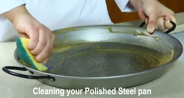 Cleaning your Paella Pan