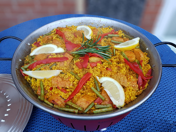 Meat-free Quorn® Chicken paella